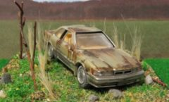 1/64 Tomica Premium abandoned rusting F31 leopard