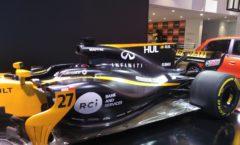 Renault on Champ-Elysees